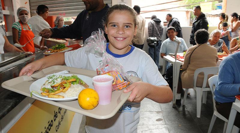 Bom Prato oferece almoço para 1.300 crianças