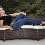 Janaina Santucci faz ensaio fashion