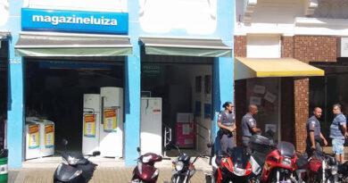 Ladrões levam 150 celulares da Magazine Luiza
