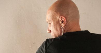 Renato Ferracini faz espetáculo grátis no Sesc Jundiaí
