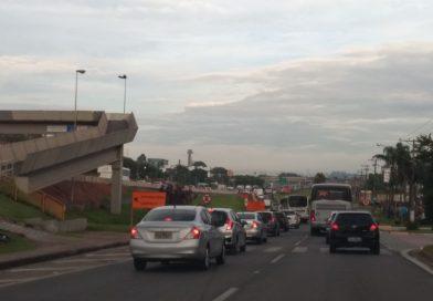 Motoristas enfrentam congestionamento na Marginal