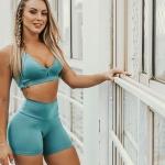Monick Camargo revela que emagreceu muito para ensaio de lingerie
