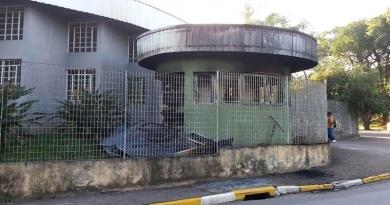 Incêndio danifica guarita do CRAS Botujuru