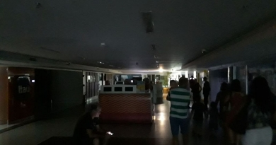 Clientes ficaram no escuro no shopping