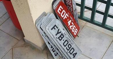 Quem perdeu a placa do carro?