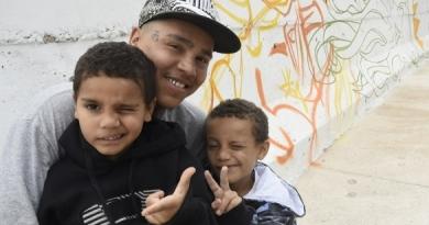 Muro de proteção do São Camilo recebe as cores do grafite