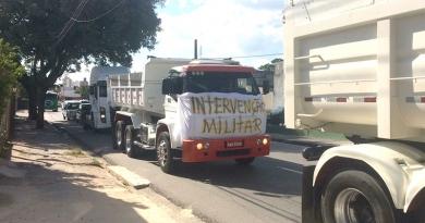 Caminhoneiros fazem carreata em Jundiaí