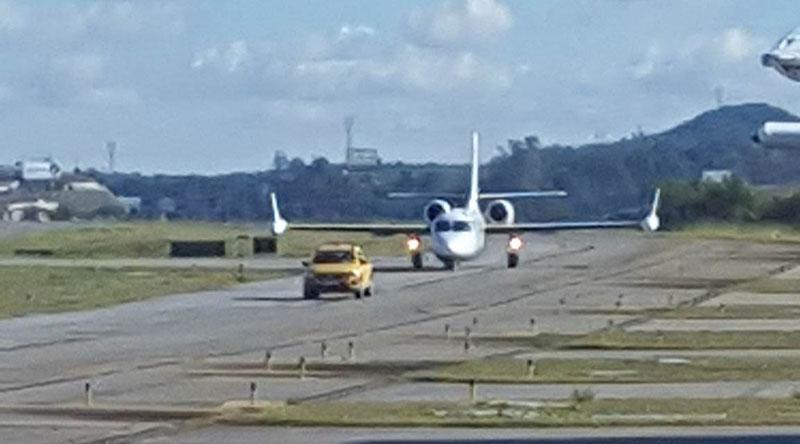 Aeroporto informa que avião foi interceptado