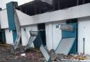 Fachada de clínica do Centro fica destruída após ventos fortes