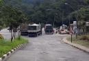 Carretas bloqueiam via em Campo Limpo