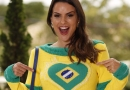 COPA DO MUNDO: Carol Dias mostra looks para a época
