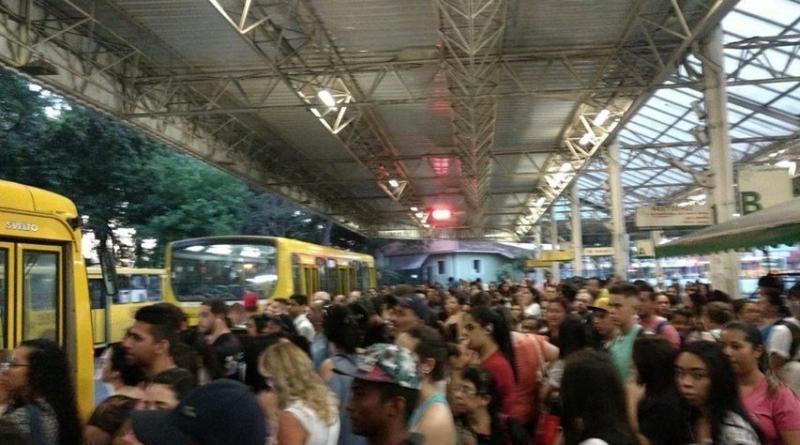 Leitora denuncia assédio em ônibus urbano
