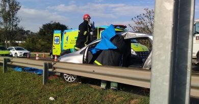 Carro e caminhão se envolvem em acidente