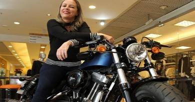 Moradora de Jarinu ganha Harley-Davidson em promoção do Maxi