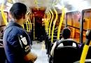 Sindicato bloqueia saída dos ônibus