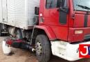 Motociclista bate em caminhão na Luiz Latorre
