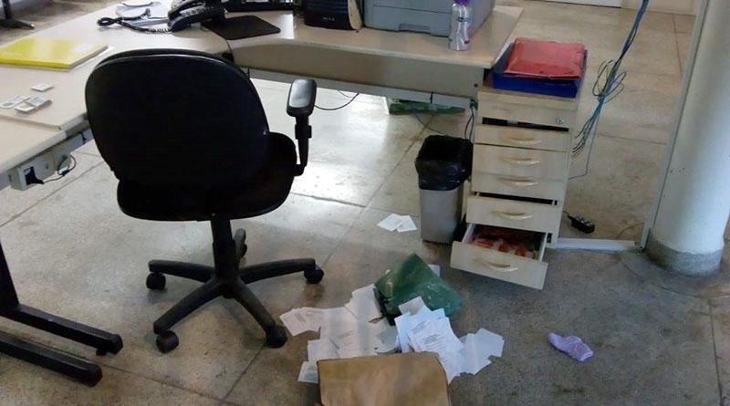 Bandidos levam equipamentos de prédio da Prefeitura