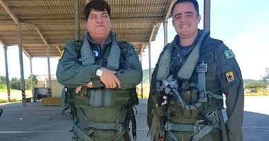 Datena voa em caça militar