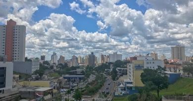 Raio deixa bairros sem energia em Jundiaí