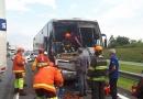 Acidente na Bandeirantes envolve caminhão e ônibus