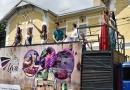Parada da Uva percorre a cidade para divulgar a Festa da Uva