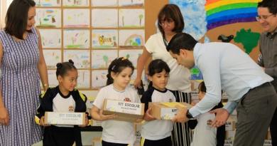 Itatiba inicia distribuição de kits escolares para rede municipal