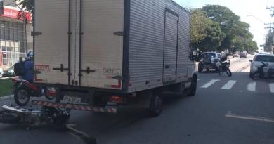 Avenida Jundiaí tem acidente com três veículois