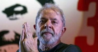 Lula tem pena reduzida e pode sair da cadeia em setembro
