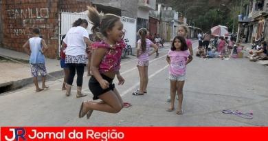 """""""Ruas de Brincar"""" leva diversão ao Jardim Fepasa"""