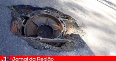 Leitor alerta para tampa de bueiro aberta em Várzea