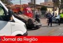 Carros batem em cruzamento no Vianelo
