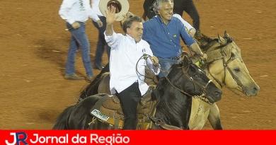 Bolsonaro abre torneio na Festa de Peão de Barretos