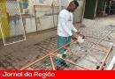 Detentos do semiaberto fazem trabalhos de manutenção na cidade