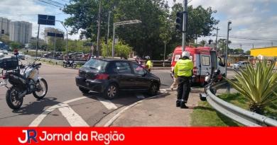 Carro e Mobilete batem na Ponte São João
