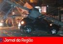 Duster derruba poste na Vila Rami