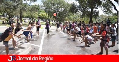 Famílias comemoram Dia das Crianças em parques da cidade