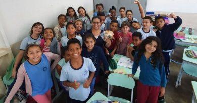 Professora transforma alunos em empreendedores na sala de aula