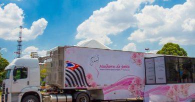 Carreta 'Mulheres de Peito' chega a Cabreúva