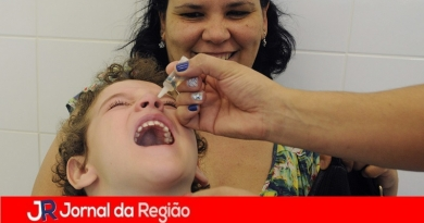 Vacinação oral contra a polio vai até dia 30