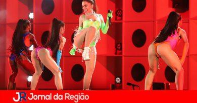 Anitta repete show do Rock in Rio na Zona Norte do RJ