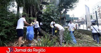 Mutirão deixa Praça da Bandeira mais bonita
